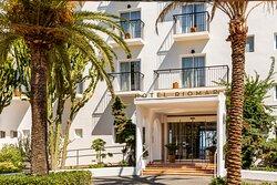 Entrance of Hotel Riomar
