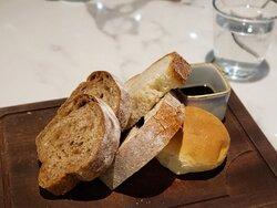 麵包及橄欖油黑醋