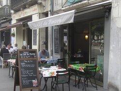Restaurant La Clef du Ponton. Vue 6. La Petite Terrasse. Août 2021. TOURS.