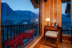 Hotel Evoque Manali Balcony