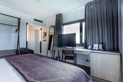 Superior Corner Bedroom