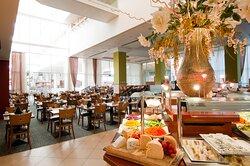 Leonardo Plaza Eilat Dining Room