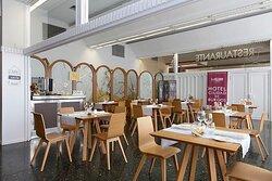 000267 Restaurant