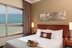 Leonardo_Haifa_Suit_no_Balcony_room