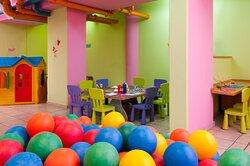 Leonardo Haifa Children Club