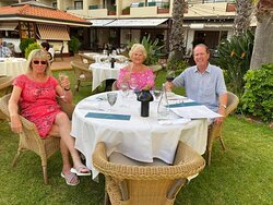 Dining in the gardens at Eden Mar