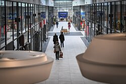 Ofenhalle / Mall im Outlet Center Selb.