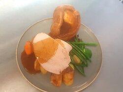Traditional Pub Sunday Roast