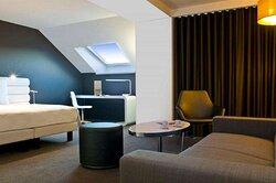 Junior Suite - Full room view