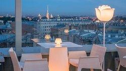 Панорамный вид с террасы ресторана.