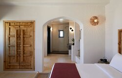 Cavalieros Honeymoon Villa