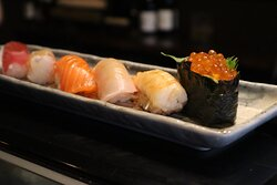 Delight your taste-buds with this 6 piece Nigiri set.