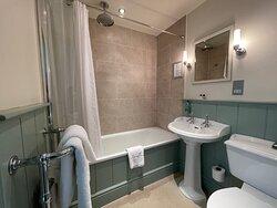 Classic Plus bathroom
