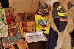 Un locale ospita ricordi del famoso carnevale di Montescaglioso  e di alcuni altri paesi lucani