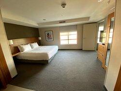 One Bedroom Suite | King Bed
