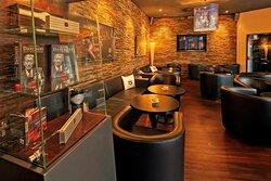 Chez Max Lounge