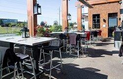 Moxies Grill & Bar