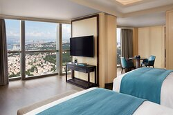 Twin/Twin Grand Deluxe Guest Room