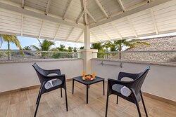 Luxury Junior Jacuzzi Suite - Private Terrace