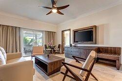 One-Bedroom Presidential Jacuzzi Suite - Living Room