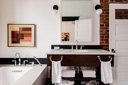 King Suite The Flamingo Bathroom