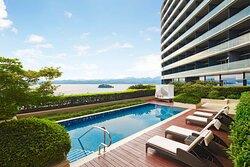 Lake View Three-Bedroom Suite - Pool