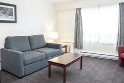 Junior Corporate King Room with Sofa Bed