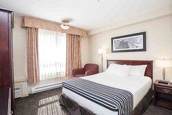 Standard Cozy Queen Room