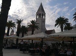 Al fresco dining in front of St Dominic's Church