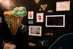 Artigos de artistas nacionais que pode ver e comprar no nosso espaço.