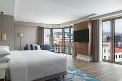 Izmir Marriott Guestroom