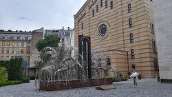 Grande Sinagoga Centrale e albero della vita