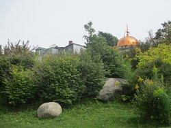 Millennium Dome behind park
