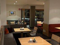 Interno hotel e cena