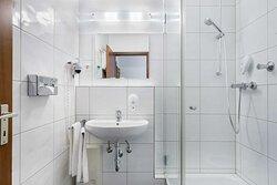 Standard Bathroom TOP acora Hotel Dusseldorf