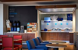 Breakfast bar in the new Holiday Inn Express & Suites Moody-Leeds