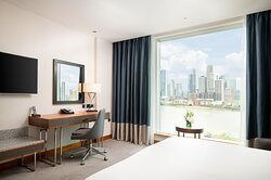 Superior Guest Room with Canary Wharf view