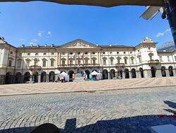 Splendida Piazza