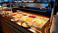 Warme Speisen beim Frühstück