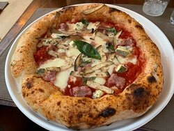 Authentic Neapolitan Pizza made with passion