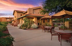 Outdoor Seating - Rancho Vistoso