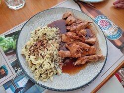 "Chicken fillet with ""Mavrodafni"" wine of Patras, honey and coriander seeds"