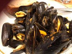 My starter… Garlic Butter Mussels