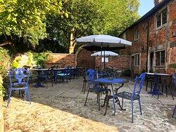 🌞 our lovely sunny terrace