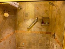 Shower in the one bedroom - room 2716