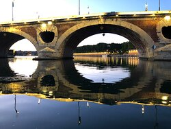 Going under the Pont Neuf
