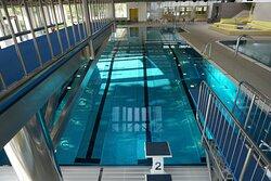 Schwimmbecken