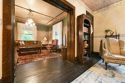 Living Room & Parlor