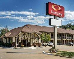 Econo Lodge hotel in Lawrence, KS