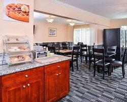 Breakfast area in the lobby
